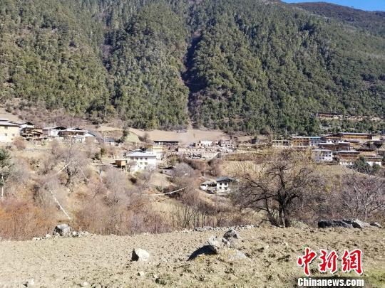 图为火灾后的雨崩村 德钦县委宣传部供图