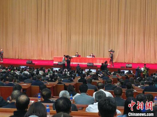 图为学习贯彻党的十九届四中全会精神中央宣讲团在云南宣讲。 胡远航 摄