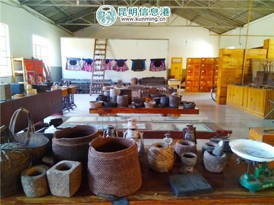 张佳鸿农耕文化博物馆里收藏的宝贝。记者江枫/摄
