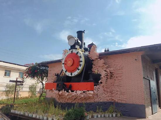 火车头主题雕塑