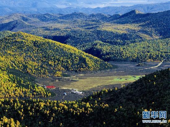 蓝月山谷(迪庆州旅发委供图)