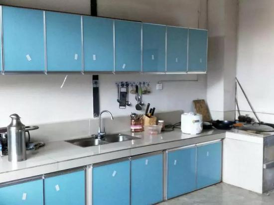 旧式厨房到一应俱全的现代厨房