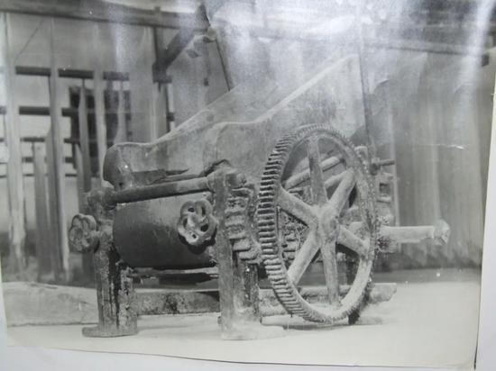 李国柱购进巧家的第一台半机械化的挂面机