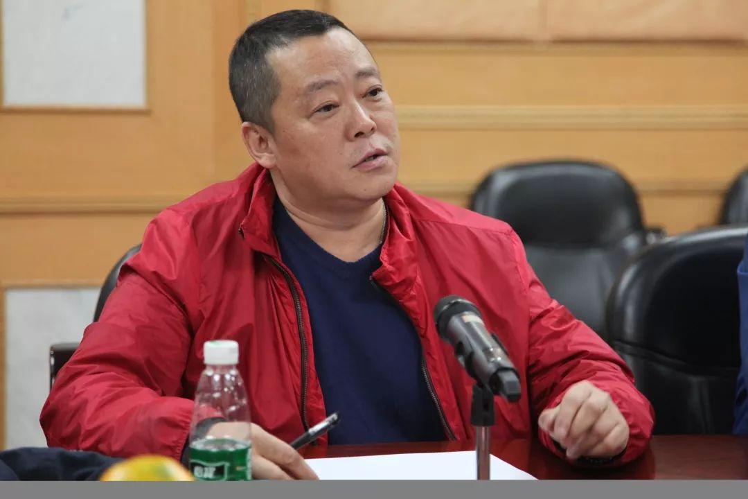 《为国而歌》导演 青山