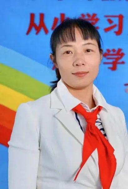 云南省少先队总辅导员栾丽华