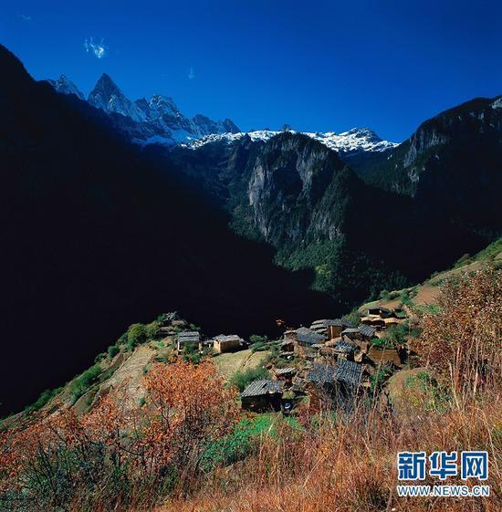 巴拉村(迪庆州旅发委供图)