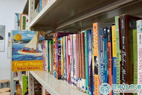 种类繁多的英文书籍。记者苏雯芊/摄