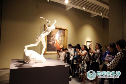 市民对此次展览反响热烈。供图