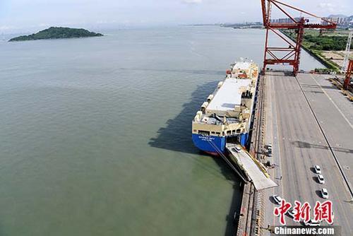 资料图:港口。 中新社记者 陈文 摄