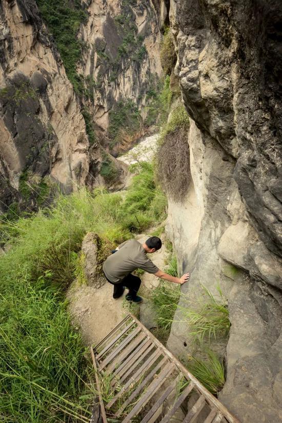 一些路段需要用到梯子。摄影:爱唱歌的佟老湿
