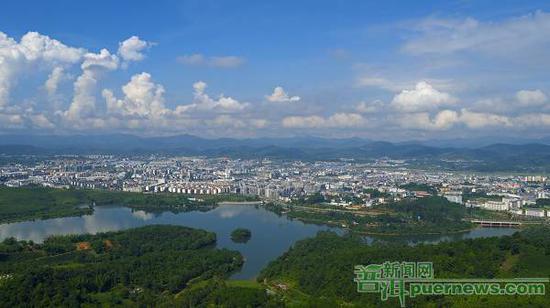 普洱市全面提升文明城市新风貌,共筑美好生活。(记者 王承吉 摄)