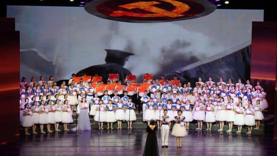 第四乐章之临沧市民族中学代表队 《灯火里的中国》