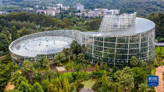 """这是中国科学院昆明植物研究所昆明植物园内的""""扶荔宫""""生物多样性体验园一景(无人机照片,9月2日摄)。新华社记者 胡超 摄"""