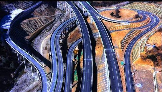 号外!香格里拉至丽江高速公路即将试通车!