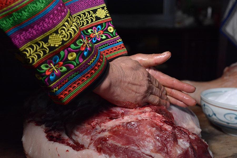 鲜腿碾压排血(2019年12月26日摄)