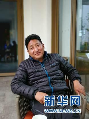森吉尼达生物资源开发有限公司总经理李志红接受采访。新华网记者薛枫摄