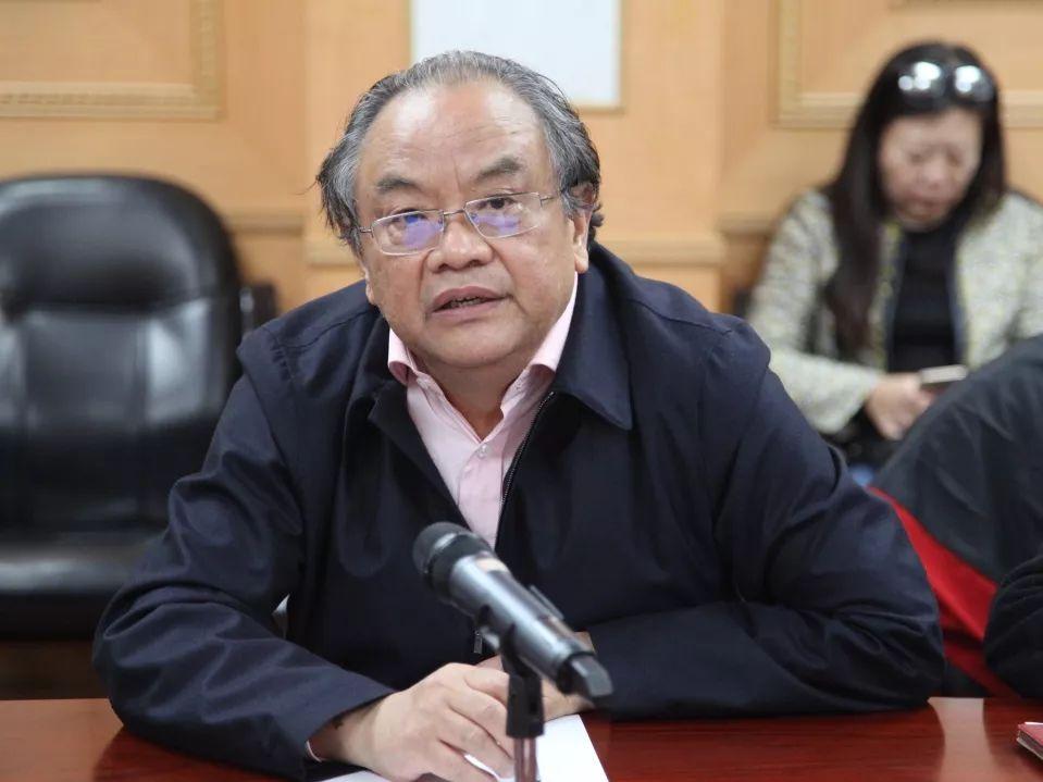 中国文艺评论家协会主席 仲呈祥
