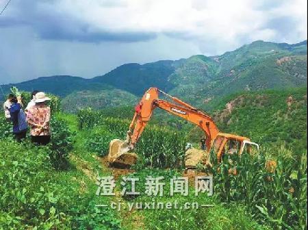甸垛龙潭调水工程正在施工 通讯员 潘文兵 摄