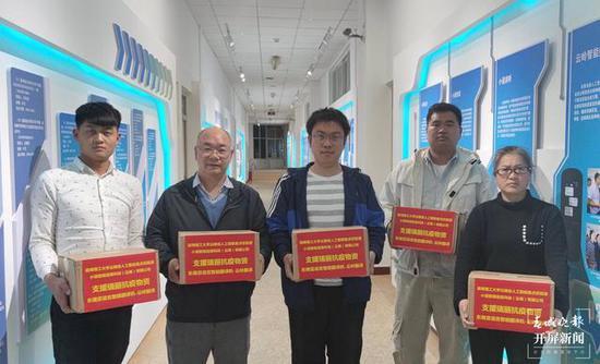 昆工100臺東南亞語言智能翻譯機馳援瑞麗疫情防控一線