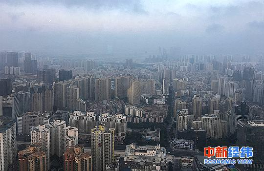 资料图:深圳一处楼群。 中新经纬董湘依摄