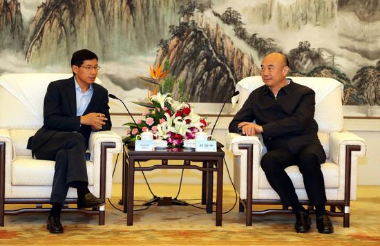 陕西省省长刘国中与百胜中国董事长胡祖六亲切会谈
