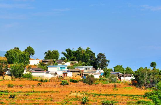 昌宁大山深处,到处都是整洁干净的美丽乡村