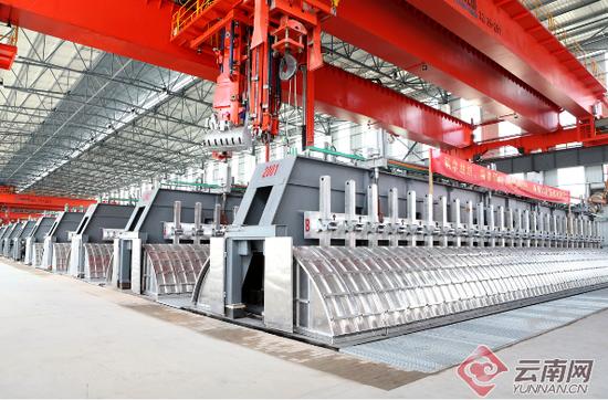 富宁县绿色水电铝材一体化产业示范园区调研神火90万吨水电铝项目现场。
