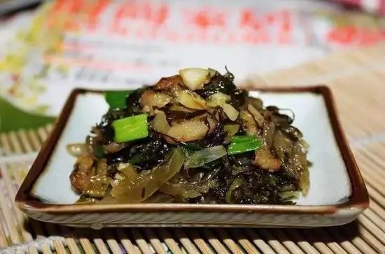 酸菜炒猪油渣