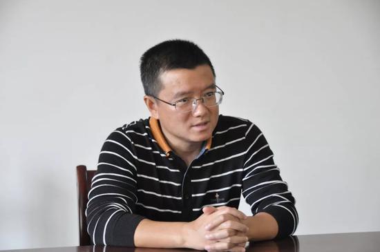▲县委书记毛宗晦召开座谈会并讲话