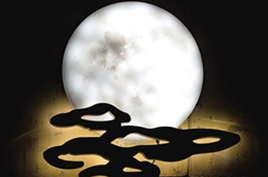 官南立交桥上的月亮祥云造型灯
