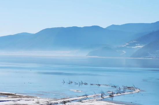 """迪庆州推出""""三观一体验""""冬季精品旅游线路 让大众尽享冬季美"""