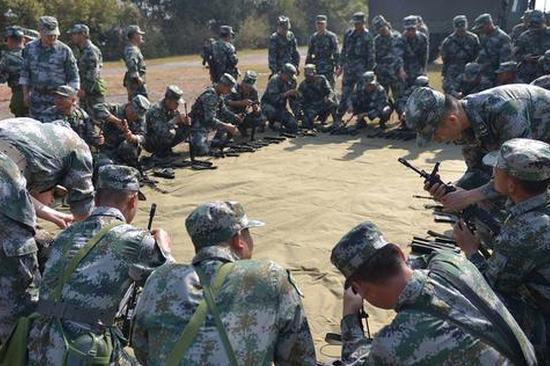 云南省普洱军分区组织开展民兵骨干新大纲集训