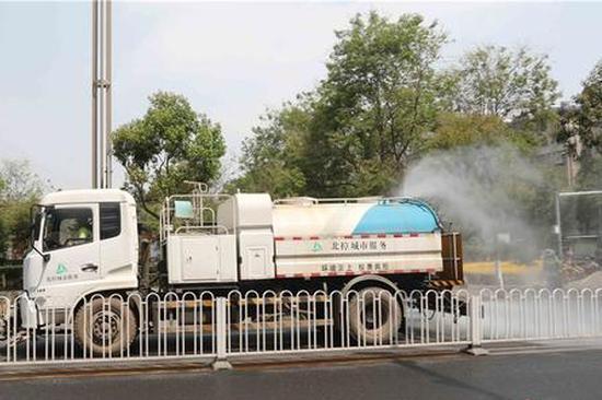 昆明西山区强化控尘作业确保空气质量