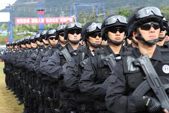 昆明警方举行南博会安保誓师大会