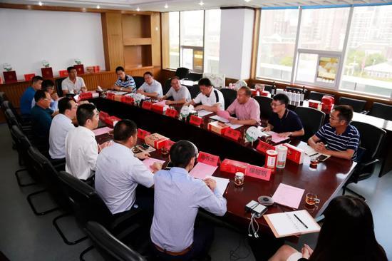 元阳县党政代表团与龙润集团产业扶贫讨论会