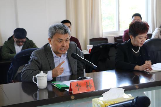 上海中青年知识分子联谊会会长、中国科学院院士、中国科学院上海生命科学研究院院长李林讲话