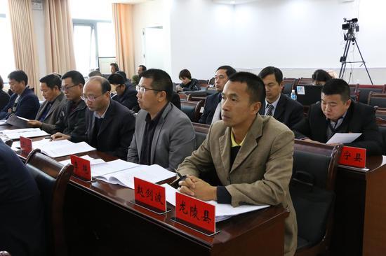 龙陵县及昌宁县参会单位(王娅男/摄)