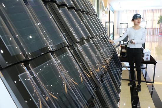 薄膜太阳能生态汉瓦(王娅男/摄)
