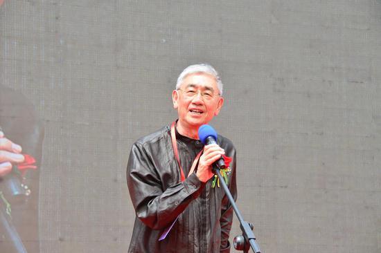 赵进军宣布金牛文化旅游艺术节开幕