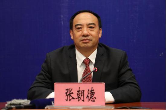 中共云南省委台湾工作办公室主任张朝德答记者问(记者 罗威 摄影)