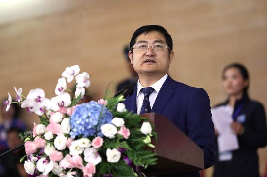 图为云南省体育局局长尹勇发言
