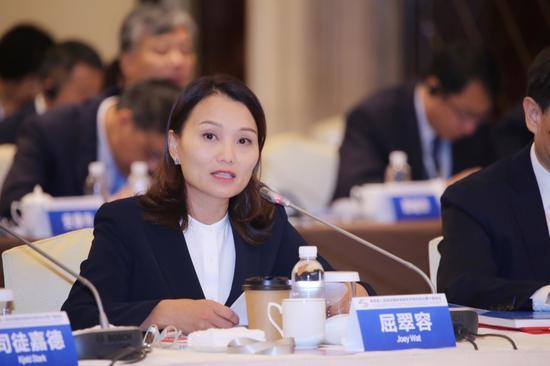 百胜中国CEO屈翠容女士在陕西省人民政府国际高级经济顾问会上发言