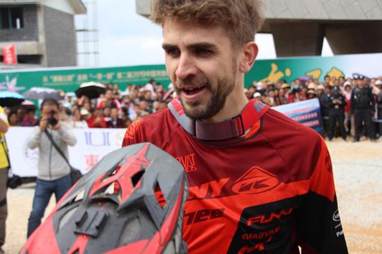 邀请精英组冠军Matej Charvat