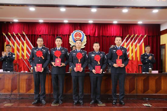 云南保山边境管理支队22个集体和个人受表彰
