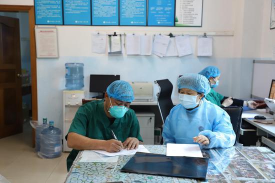 和疾控中心对接工作的高明芬主任