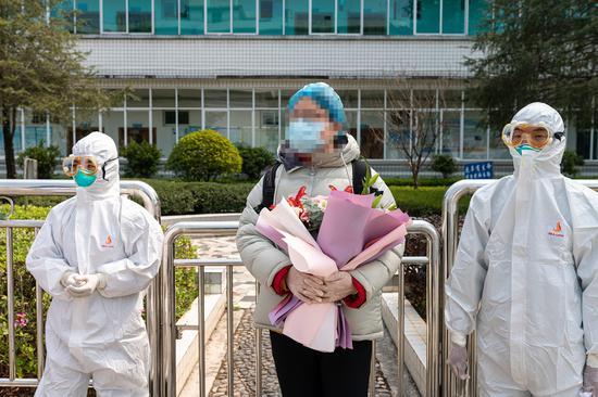 云南龙陵:好消息!龙陵新冠肺炎首例治愈患者出院!