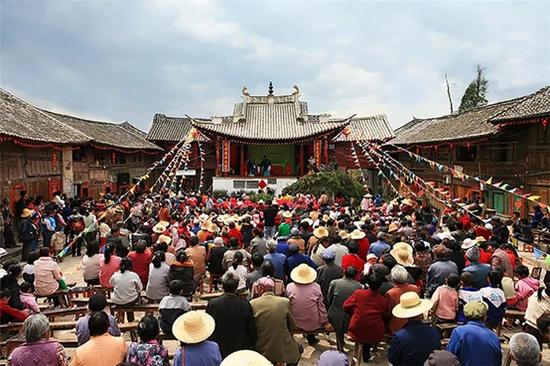 昔日金鸡古戏台(范南丹/摄) 非近期拍摄