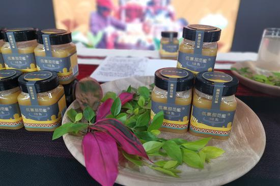 云南普洱一县长网上卖蜂蜜 直播带货200余万元
