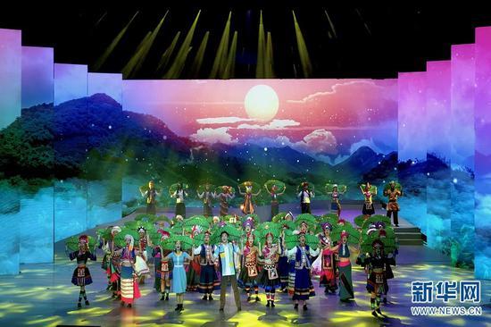 《宾弄赛嗨》演出现场(10月19日摄)。新华网 刘妍琳 摄