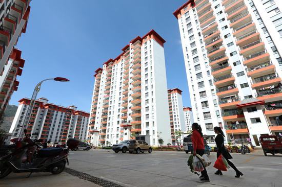 脱贫攻坚施甸2万多贫困人口搬入新居